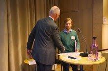 Stefan Andersson får stipendium på SveMins höstmöte 2014