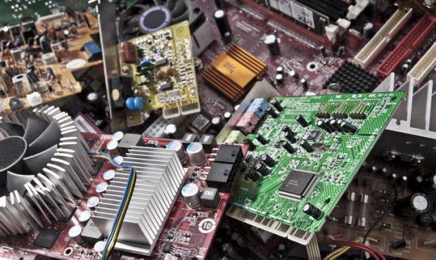 Bild på elektronikskrot